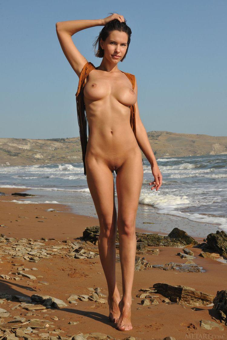 Эротика на диком пляже 7 фотография