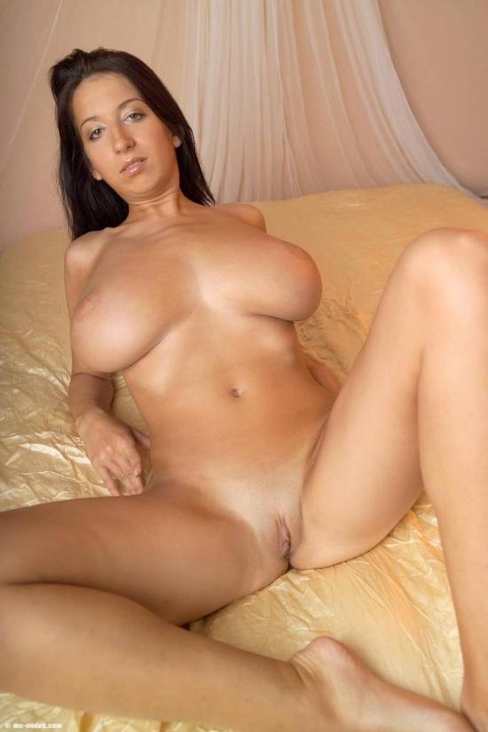 Смотреть самоехорошее порно с настоящей большой грудью 24 фотография