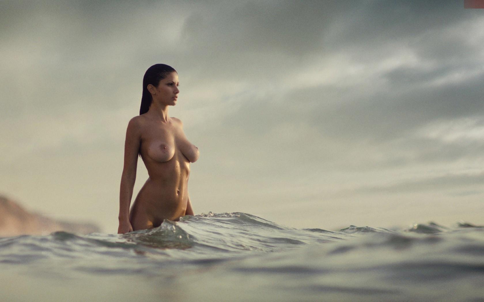 Фото красивые голе девушки 21 фотография